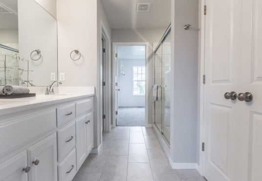 master bath in Monarch floor plan