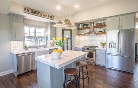 kitchen in Azalea - farm style